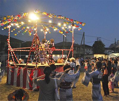 盆踊りで夏夜を満喫
