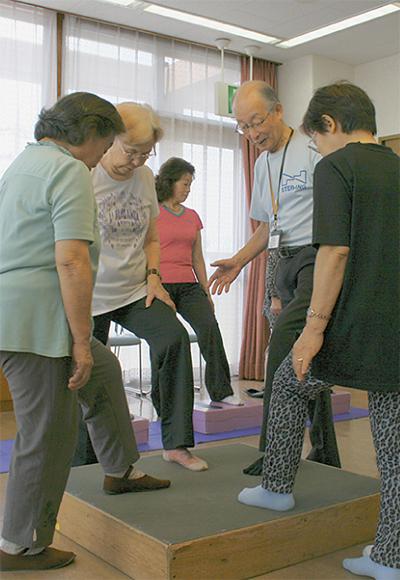 踏み台昇降で健康促進
