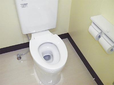 学校トイレ洋式化65%