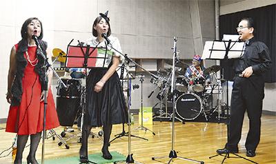 歌謡曲バンド大盛況
