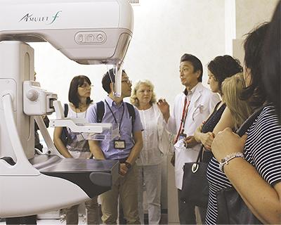 乳がん対策を講義