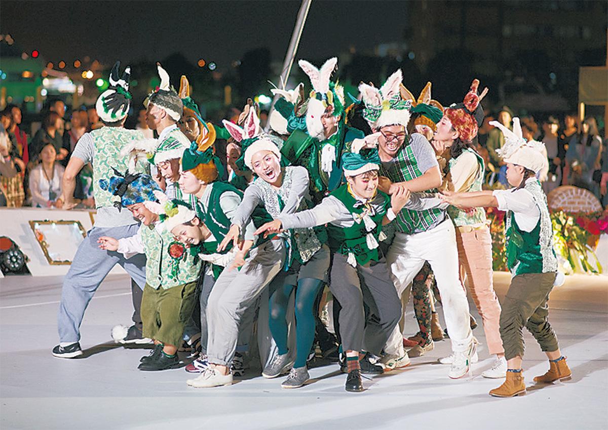 ヨコハマ・パラトリエンナーレ2017第2部不思議の森の大夜会(C)HajimeKato