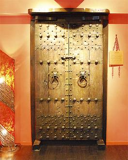 景虎の最奥に鎮座する金庫扉