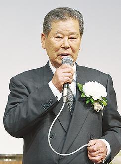 出席者に感謝を伝える嶋村さん
