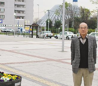 福富会長と駅周辺