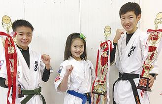 左から平川さん、溝上さん、福田さん