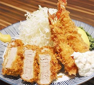 味・ボリューム共に人気の「海老ヒレかつ定食」(ご飯、味噌汁、お新香付)