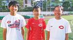 左から目良さん、富樫さん、林さんの中大勢