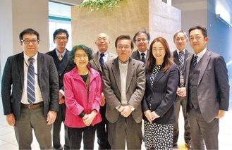 金子委員長と(前列中央)と委員会メンバー