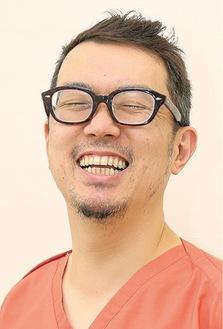 金沢俊佑院長