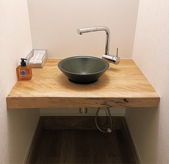 自宅の玄関に設置した手洗い場