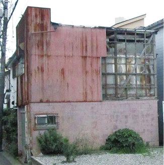 放置された空き家の一例(横浜市提供)