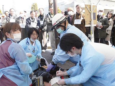 救護訓練で連携強化