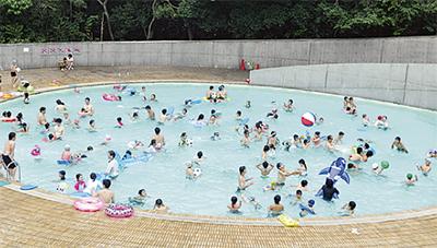 夏休みは公園プールに行こう!