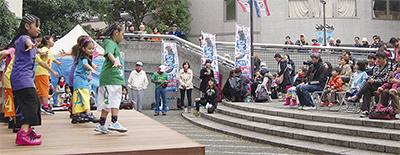 中川の祭り盛況に