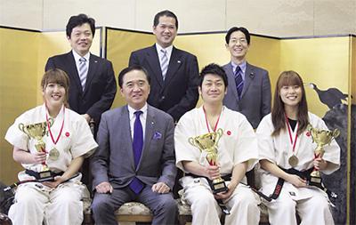 県知事に海外優勝報告