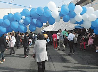 文化祭に約400人