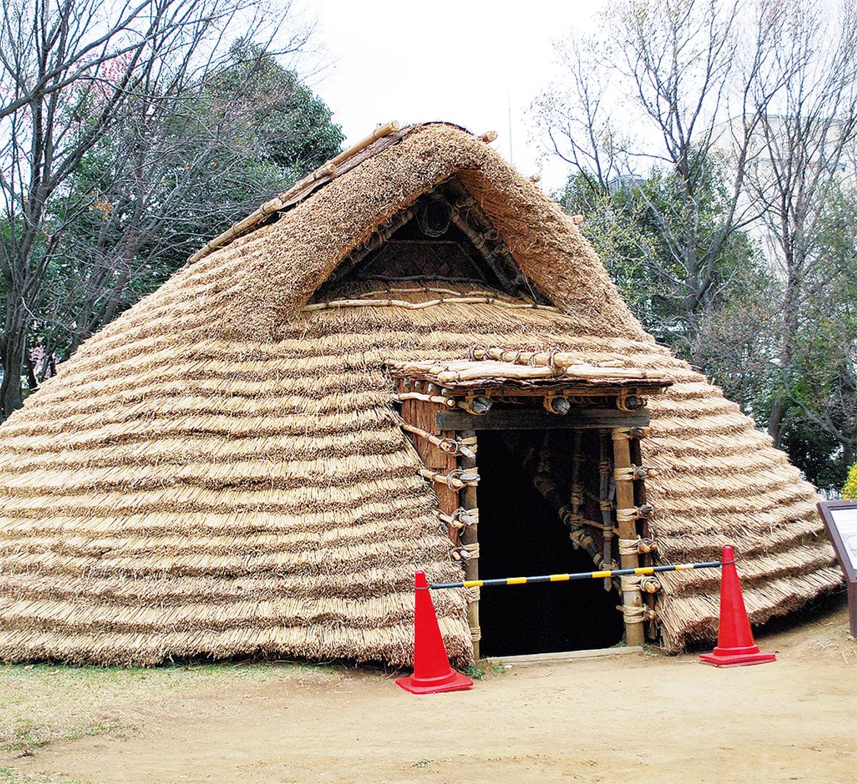 竪穴住居の修復完了へ
