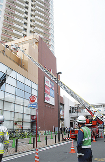 4階駐車場に取り残された要救援者を救出(ココロット)