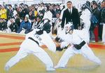 久保田さん、同大会で(左)