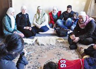 シリア難民を訪ねる(サダーカ提供)