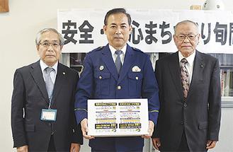 左から高橋さん、日下部署長、中野さん