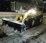 中原街道での除雪作業(旭土木事務所提供)