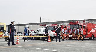 警察や消防の車両も一斉に集まり騒然とした現場