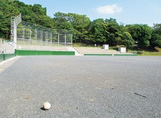 中止が決定された少年野球の会場だった若葉台公園のグラウンド