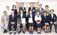 日本語支援拠点に図書寄贈