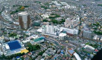 上空から見た二俣川駅周辺エリア(泉区在住・中丸定昭さん提供写真・平成30年4月16日撮影)