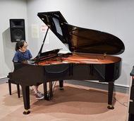 新ピアノ 弾いて慣らして