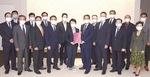 公明党横浜市議団は10月13日、林市長に予算要望書を提出