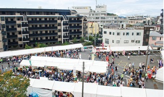 一昨年の区民まつりには約5万5000人が訪れた