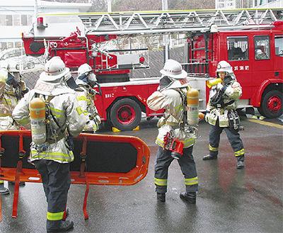 連携して消防訓練