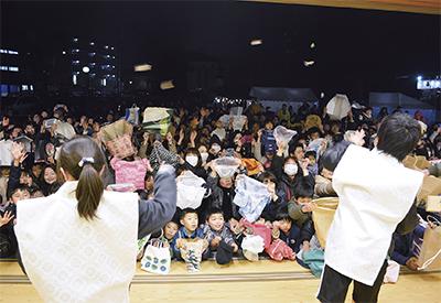本村神明社で豆まき