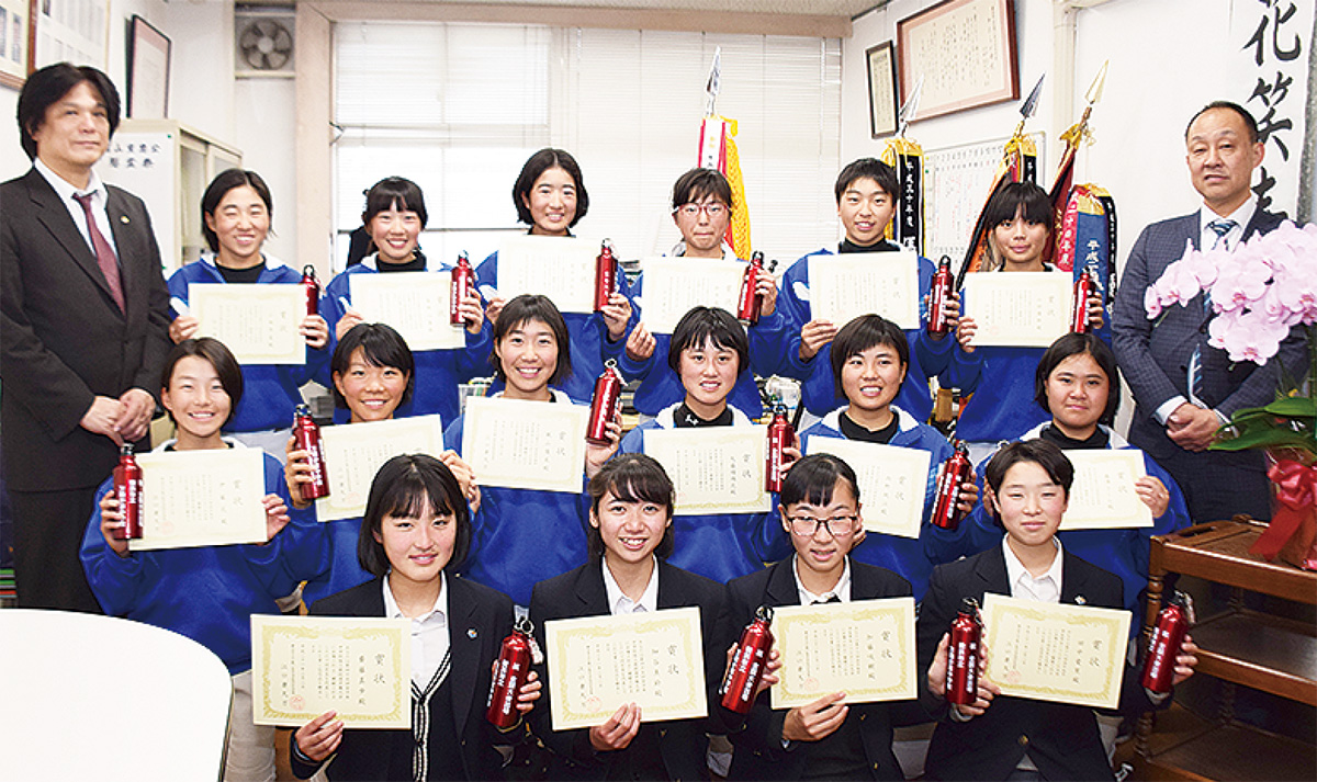全国出場生徒を表彰