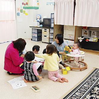 桐峰会の保育所では現在、看護師ら16人が利用。25人の子どもが過ごしている