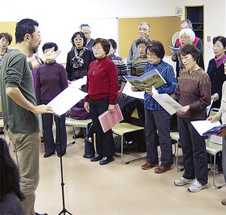 1フレーズごとに熱を込めて練習する瀬谷混声合唱団