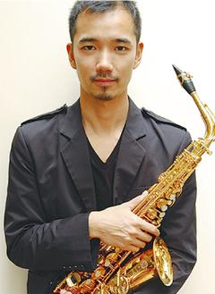 サックス奏者の大石将紀氏
