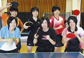 3年生の(右上から時計回りに)永尾さん、松本さん、佐野さん、工藤さん、岡さん、中島さん