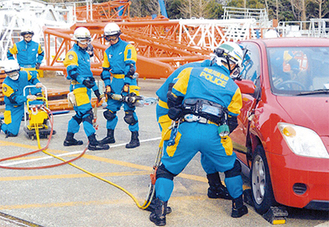 救出救助訓練の様子