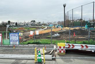 野球場の南側にある未整備区域。工事が進む※22日撮影