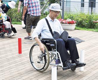 車椅子の操作を体験