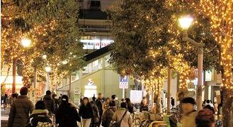 瀬谷駅北口の広場をライトアップ(写真は昨年)