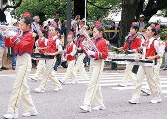 過去のパレードの様子
