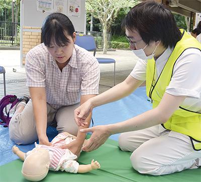 小さな命救えとAED体験