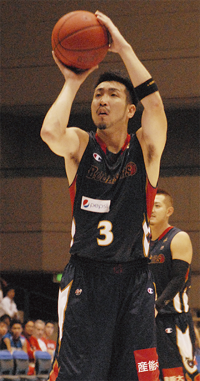 横浜 1勝1敗で開幕