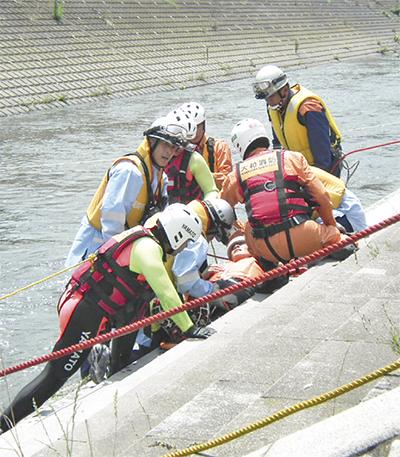 境川での水難事故に備え