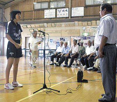 隼人女子卓球部を激励
